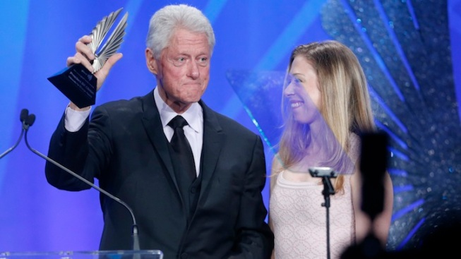 """Bill Clinton, """"The New Normal"""" Honored at GLAAD Awards"""