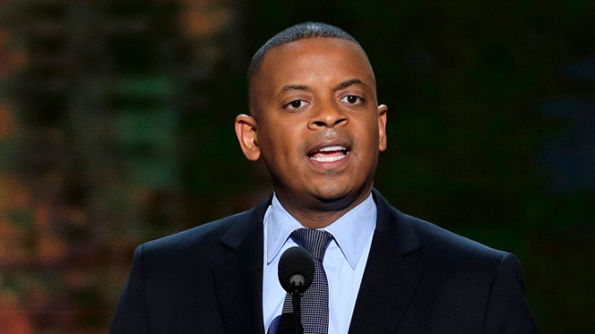 Obama Taps Charlotte Mayor Anthony Foxx to Head Transportation Department