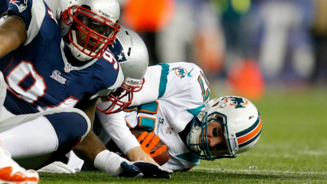 New England Patriots Shut Out Miami Dolphins 28-0