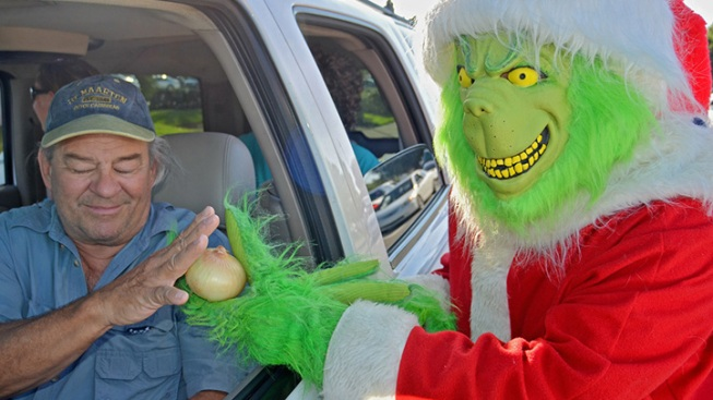 Grinch Passed Out Onions to Marathon Drivers Slightly Speeding in School Zone