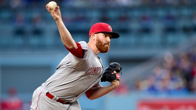 Reds trade pitcher Straily to Miami Marlins