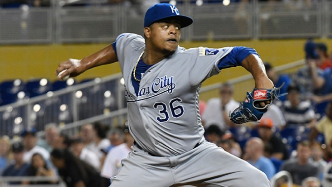 Edinson Volquez signs two-year deal with the Marlins