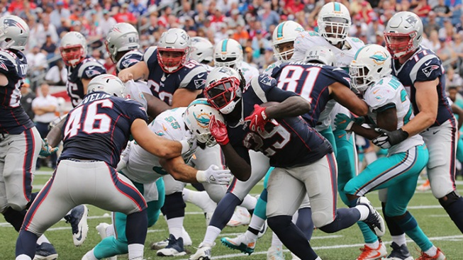 Brady, Patriots beat Dolphins in regular season finale