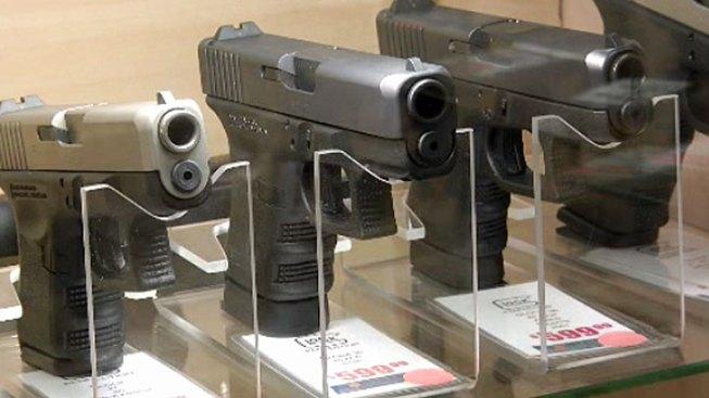 Judge Strikes Down Chicago Gun Sales Ban
