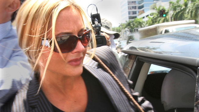 Ponzi Schemer Scott Rothstein's Wife Kim Gets Sentence Delay