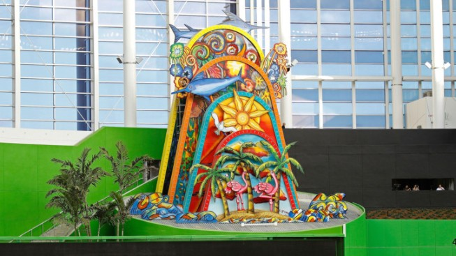 See Marlins' Home Run Sculpture in Action