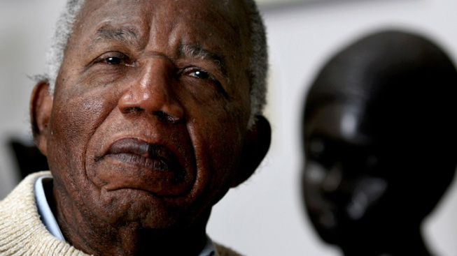 """""""Things Fall Apart"""" Author Chinua Achebe Dies at 82"""