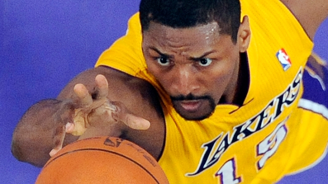NBA's Artest Officially Changes Name to Metta World Peace
