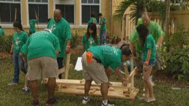 Comcast Cares Day Revamps Elementary School