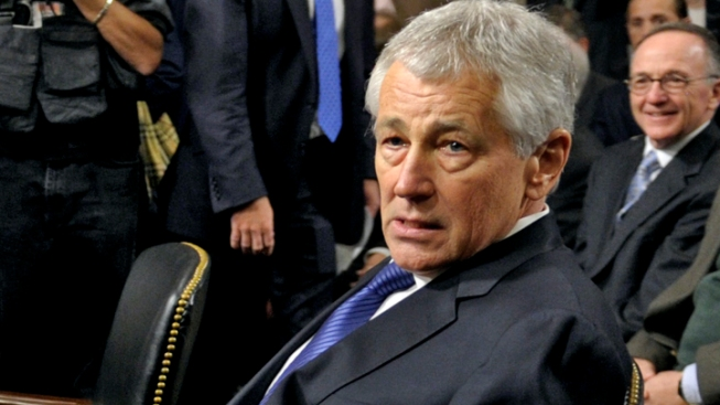Senate Panel Approves Defense Nominee Hagel