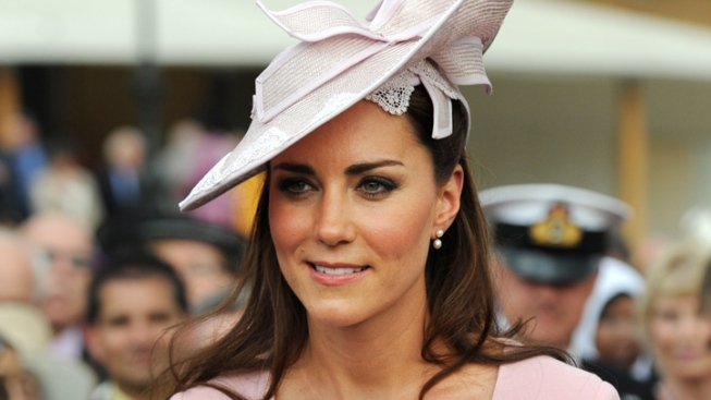 Fashioning A Newly Pregnant Kate