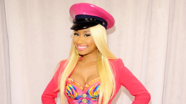 Nicki Minaj Wardrobe Malfunction: Singer Flashes Breast on Live TV