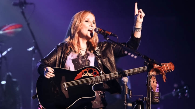 "Melissa Etheridge Talks Jolie's Double Mastectomy: ""I Wouldn't Call It the Brave Choice"""