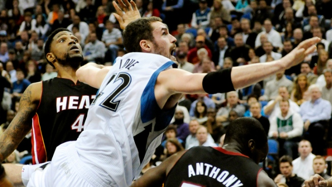 Wade, James Hold Off Timberwolves, Stay Undefeated