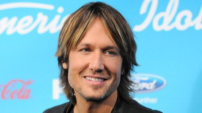 "Keith Urban Returning to ""American Idol"""