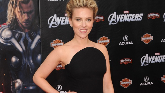 "Scarlett Johansson ""Paranoid"" After Nude Photo Leak"