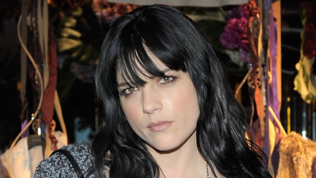 "Selma Blair Not Returning to ""Anger Management"" After Dispute With Charlie Sheen"