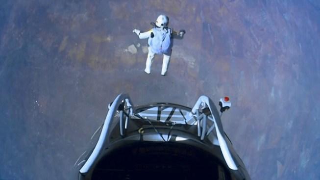 """Skydiver """"Fearless Felix"""" Breaks Sound Barrier"""