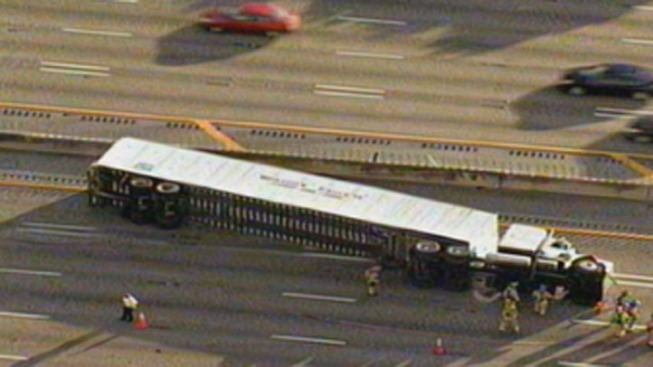 Tractor Trailer Overturned on Interstate 95 at Hallandale Beach Boulevard