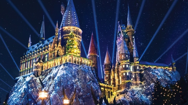 Harry Potter Christmas Wallpaper Hd.Conjure Details For Christmas At Wizarding World Nbc 6