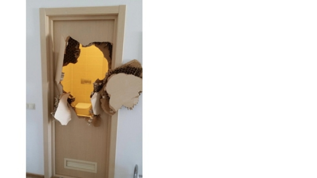 Johnny Quinn Tears Down Sochi Shower Door