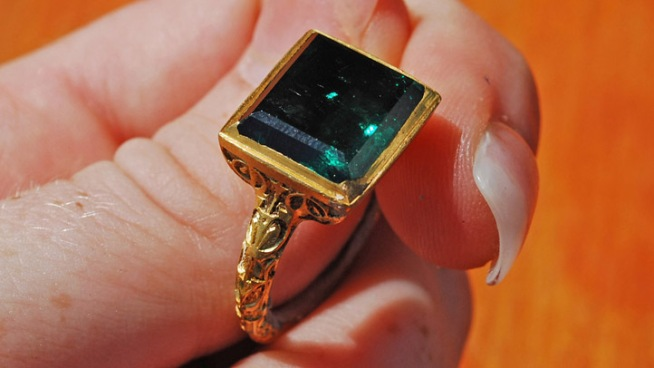 Treasure Hunters Find $500k Ring at Wreck