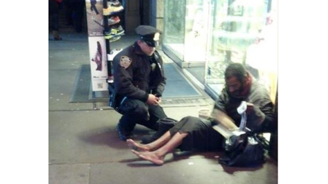 Photo Shows NYPD Cop Giving Boots to Homeless Man