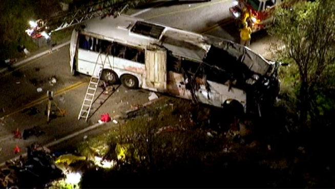 Passengers said a tour bus swerved for several minutes before a deadly crash on Highway 38 near Big Bear. The tour operator released a statement after the crash that killed at least seven people. Annette Arreola reports for Today in LA on Monday Feb. 4, 2013.