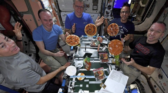 Astronauts make delicious looking pizza in zero gravity