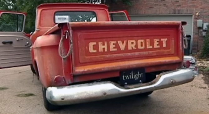 """Teen Uses """"Twilight"""" Truck to Drive Charity"""