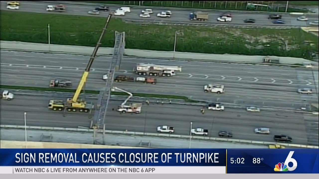 Sign Removal Causes Closure of Turnpike
